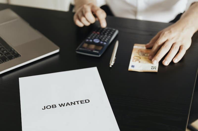 Factors to Consider Before Taking an Emergency Loan While Still Unemployed