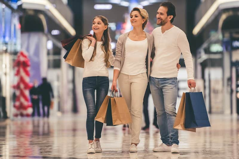 Frugal Living Tips as a family - Stretch your budget on clothing