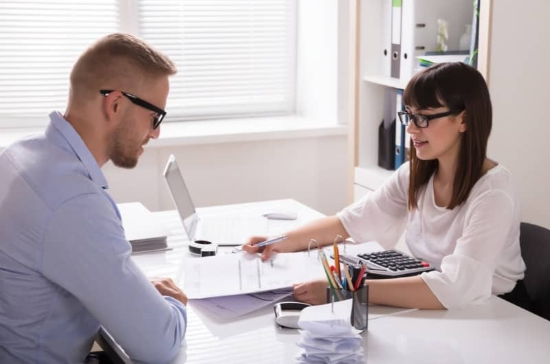 9 Reasons Why You Don't Need A Financial Advisor